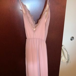 Tobi Dresses - Never worn blush Tobi abegayle dress